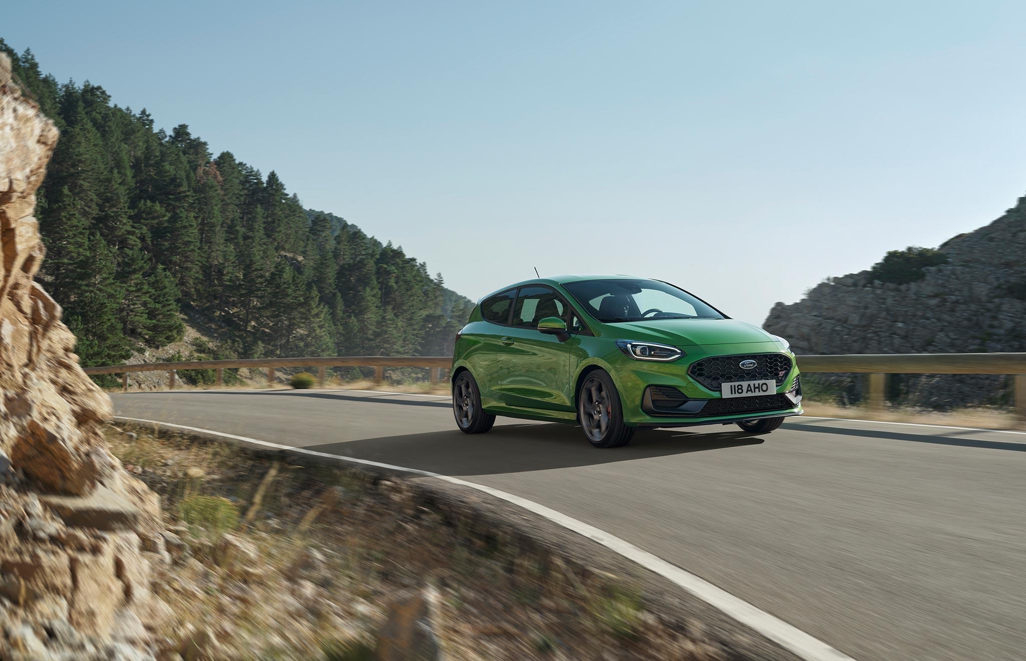 Yeni Ford Fiesta 'Hibrit' versiyonu ile birlikte tanıtıldı